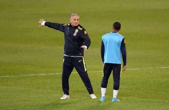 Tite mantém padrão para a Seleção 'jogar sem pensar' contra a Argentina