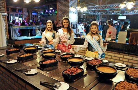 Tradição da gastronomia açoriana é o destaque da Festa do Pirão