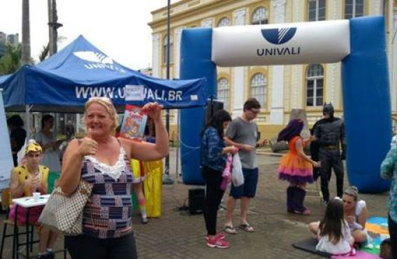Univali na Praça oferta serviços, orientações e atividades...