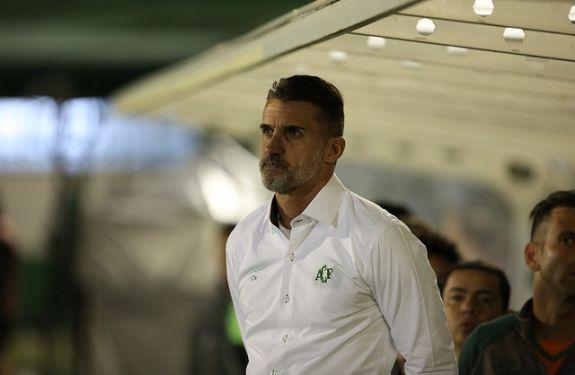 Vagner Mancini não é mais o técnico da Chapecoense