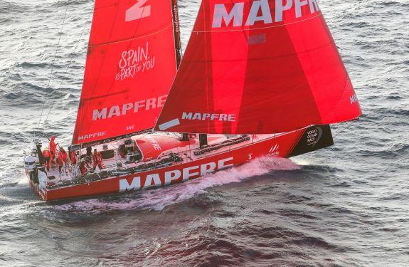 VBarco espanhol vence etapa de Melbourne e amplia vantagem na VOR