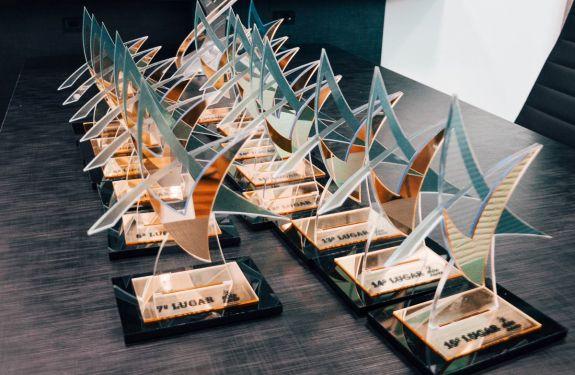 Vencedores do Concurso Elite Avantis recebem bolsas de estudos
