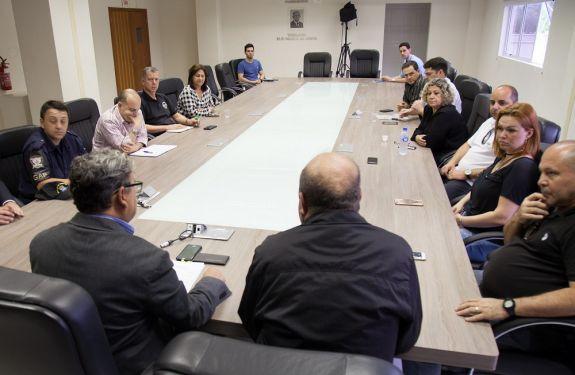 Vereadores e secretário de Segurança debatem sobre prisão federal em Itajaí