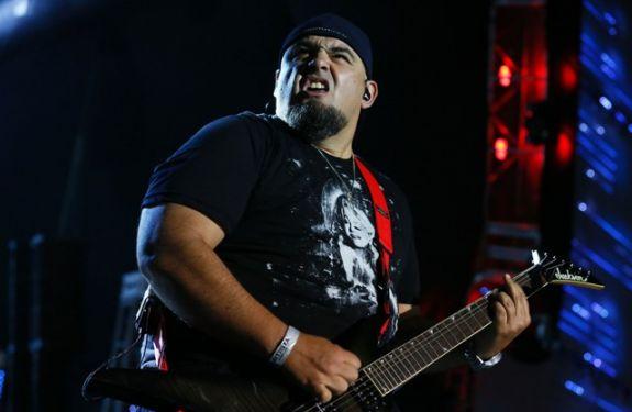 Vocalista dos Raimundos faz participação em show no Didge BC