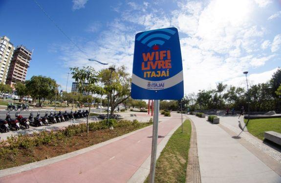 Wifi Livre Itajaí chega às praias e soma 174 pontos de internet gratuita