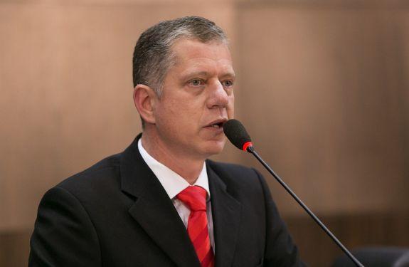 Angioletti questiona implantação de central integrada de atendimento ao cidadão