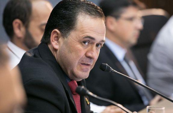 Beto Cunha questiona sobre população em situação de rua