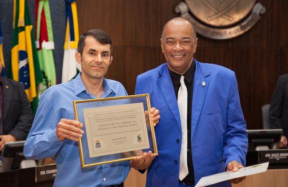 Câmara entrega moção de Congratulação e Reconhecimento à AAPC