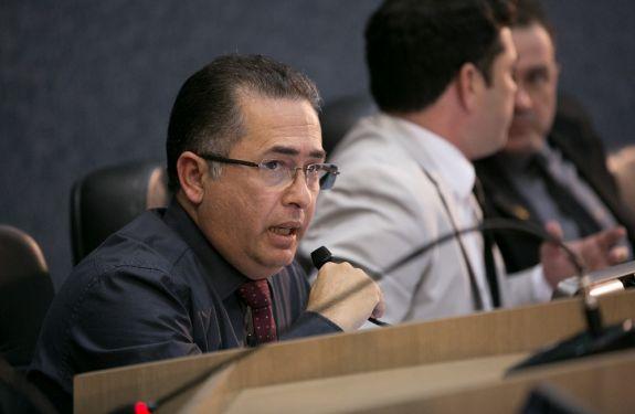 Edson Lapa questiona a extinção da Guarda Municipal de Criciúma