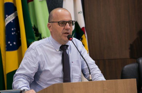 Fabrício Marinho pede informações sobre presídio federal em ITJ