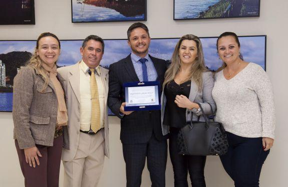 Instituto Grupo Poly recebe Moção de Congratulação e Reconhecimento
