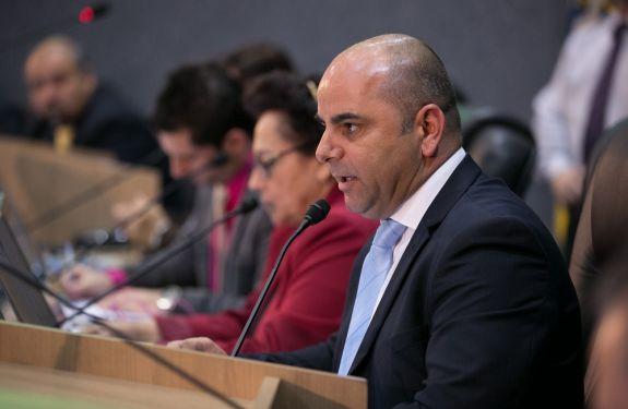 Murilo faz pedido de melhoria na manutenção das escolas