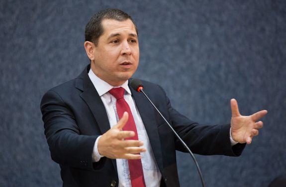 Níkolas solicita reforço no policiamento próximo ao Senai