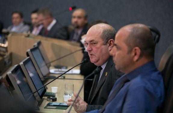 Paulinho Amândio pede inclusão de informativos nas contas de água e energia