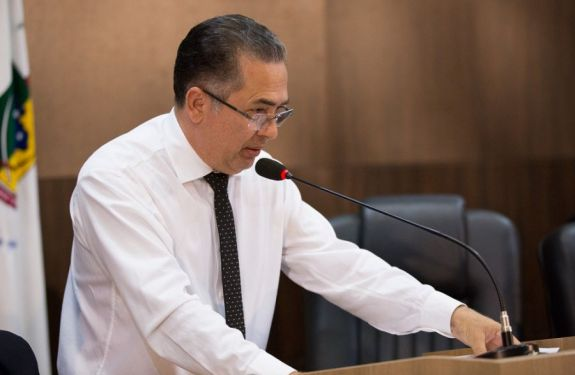 Vereador Edson Lapa pede Comissão Especial para acompanhar concessão de diárias e passagens