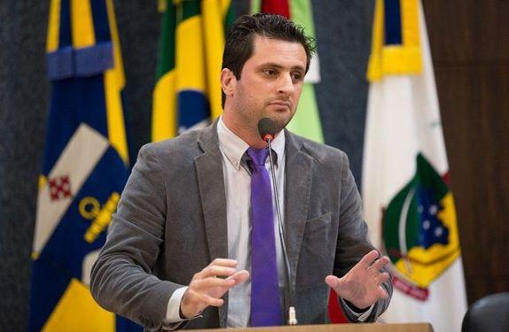 Vereador Fernando Pegorini pede reforço no policiamento nas proximidades de escolas