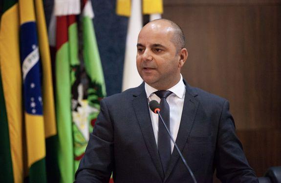 Vereador Murilo Pereira pede redução de ICMS de combustíveis...