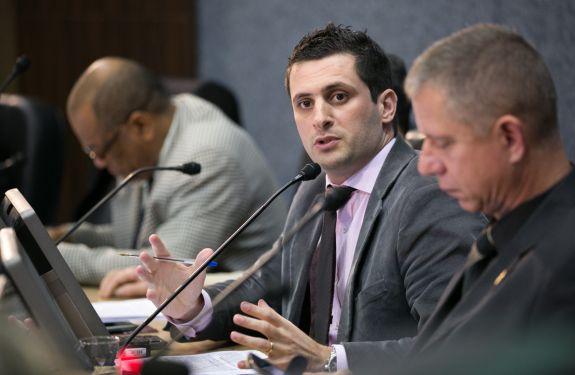 Vereador questiona regularização fundiária na Zona Especial de Interesse Social