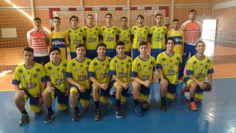 Itajaí – A Aceu Univali Slice  FMEL Itajaí venceu a etapa zonal do  Campeonato Brasileiro de Clubes Cadete Masculino de Handebol a4550d4614061
